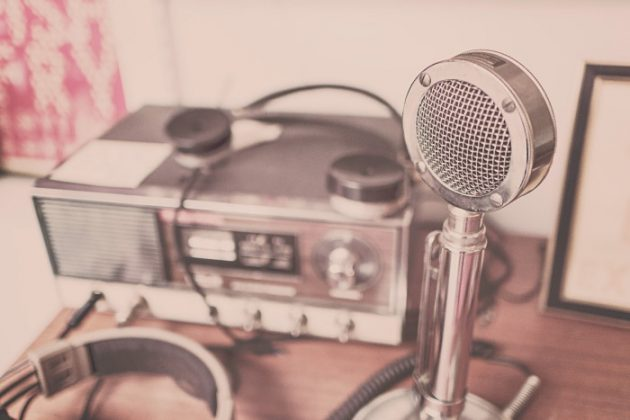 retro-podcast-tools-mic-and-sound-recorder